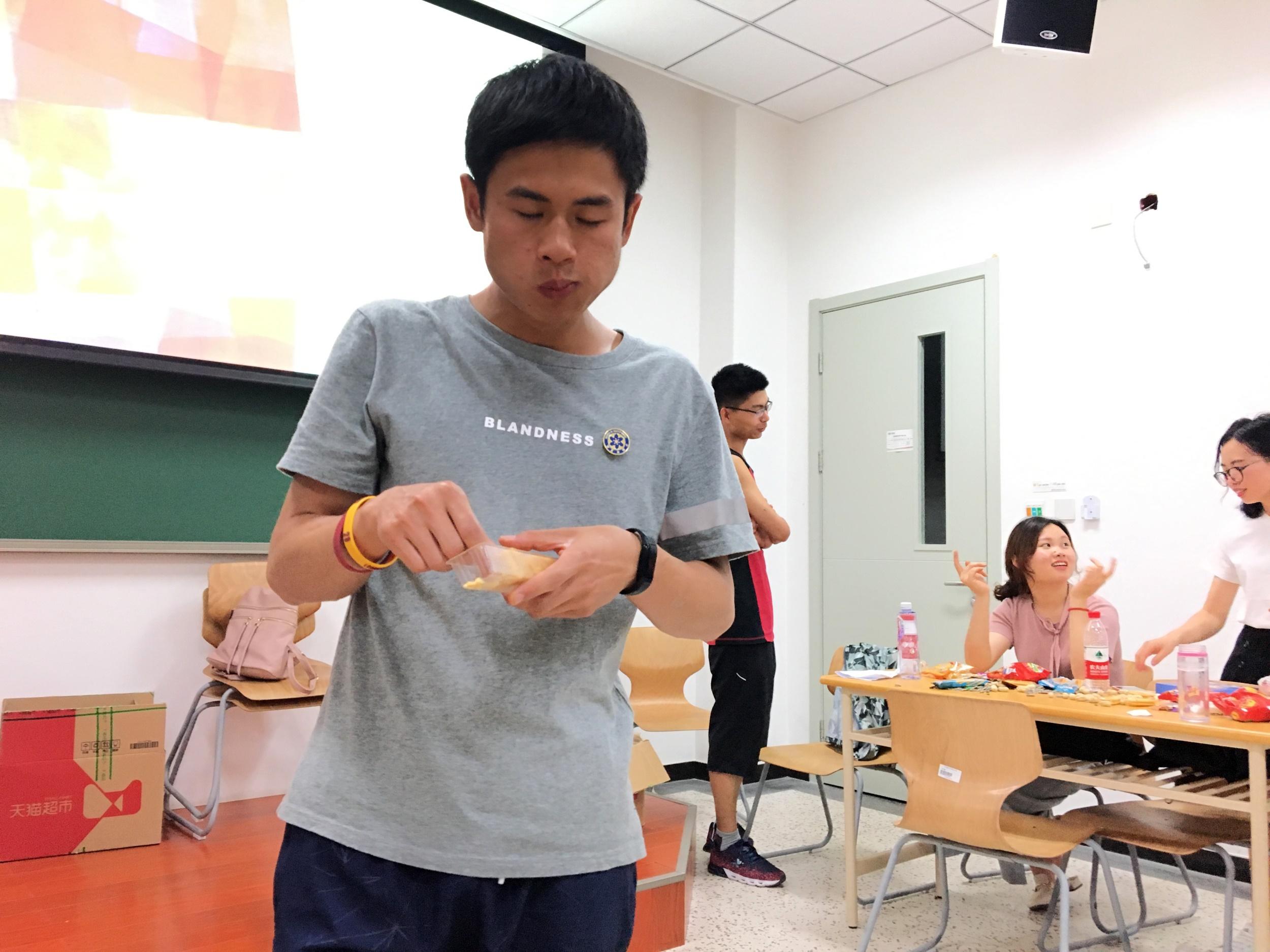 大胃王接力1