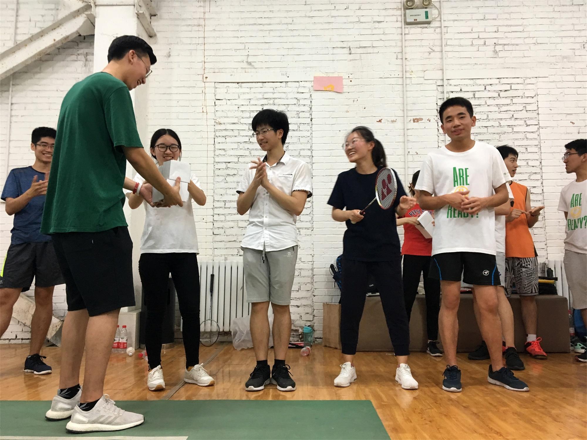 羽毛球亚军及季军2