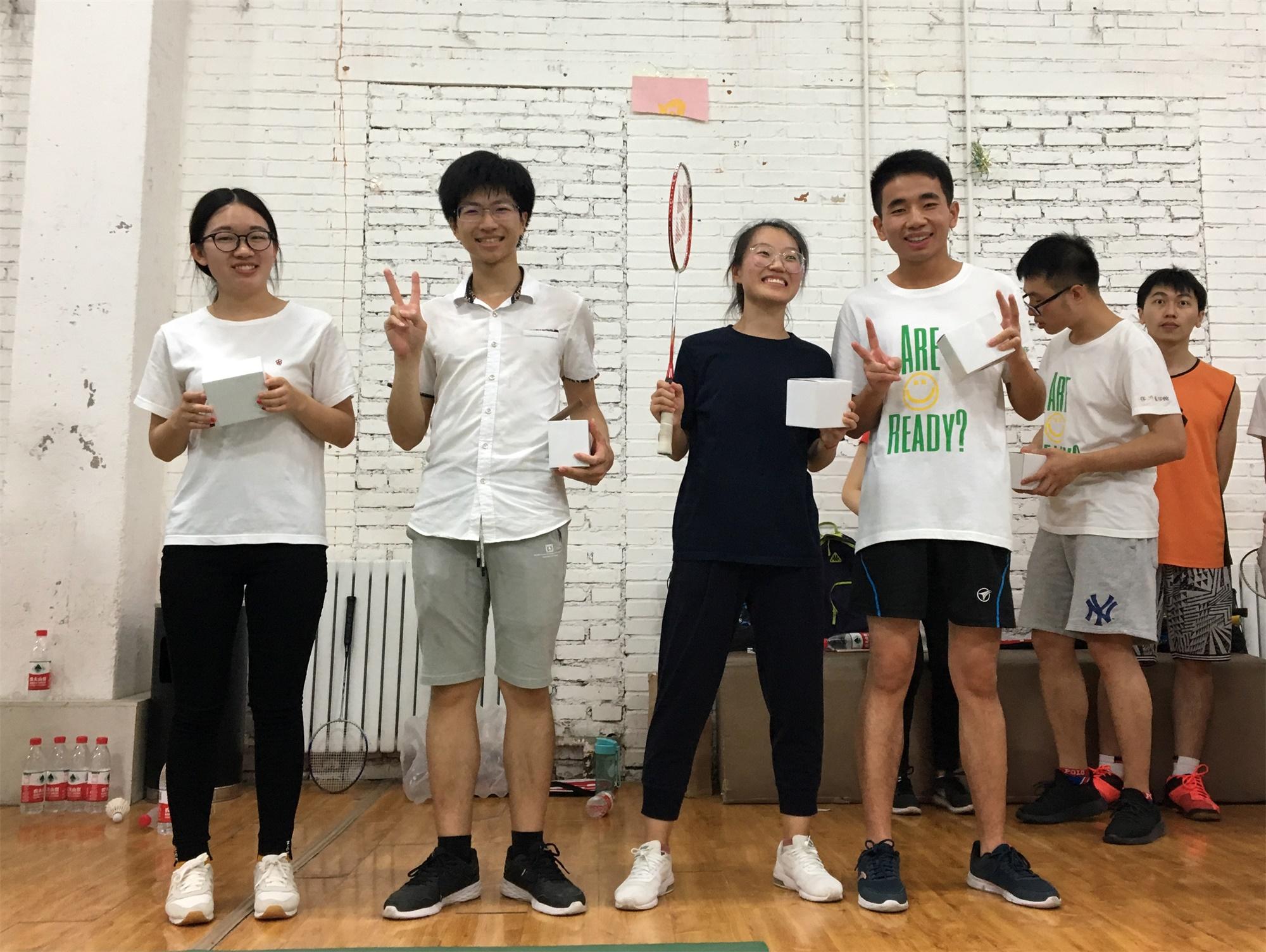 羽毛球亚军和季军1